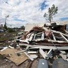 Même les tornades très faibles peuvent détruire des maisons préfabriquées non attachées.