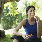 Elija comidas y bocadillos bajos en calorías.