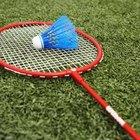 El césped artificial te permite jugar en el césped sin dañarlo.