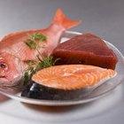 Los pescados grasos, como el salmón, son ricos en proteínas y grasas saludables.