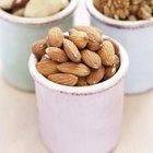 Algunos alimentos básicos de Paleo son más altos en calorías.