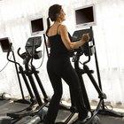 Un entrenamiento elíptico vigoroso quema calorías rápidamente para un control de peso eficaz.