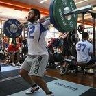 Concéntrese en movimientos que trabajen varios grupos de músculos.
