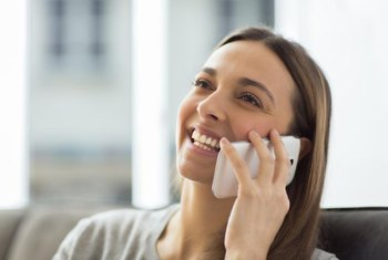 When you return an interviewer's phone call, you have a brief chance to make a positive impression.