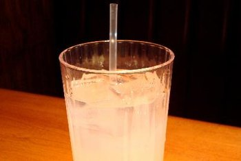 A 1-cup serving of lemonade contains 7.7 milligrams of vitamin C.