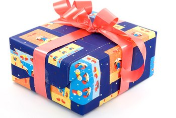 Go beyond traditional with gift wrapping business ideas.