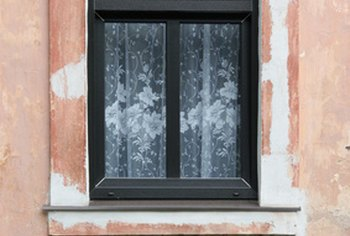 Window cracks must be noted during a rental home inspection.