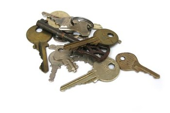 Find ways to differentiate similar-looking keys for identification.