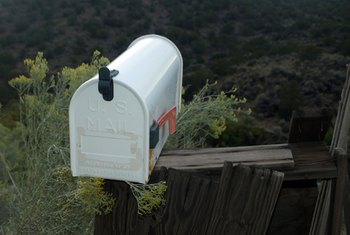 Do not use bonding primer to coat an aluminum mailbox.