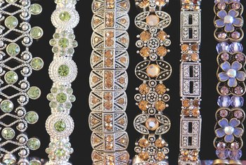 Jewelry can be sold on consignment.
