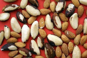 Nuts are a perfect choice for sugar-free snacking.