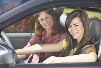 Teen certified driving instructors earn more in West and East coast states.