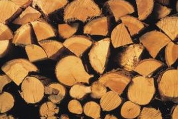Proper lubrication helps you to make clean cuts through wood.