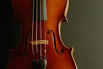 A violin's hourglass shape makes it well suited to use as decor.