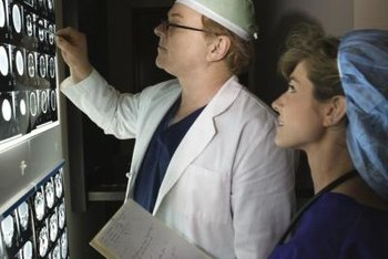 An estimated 20,900 nuclear medicine technologists worked in the U.S. as of 2012.