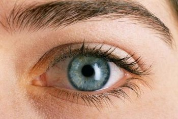 Zinc and selenium may help prevent glaucoma.