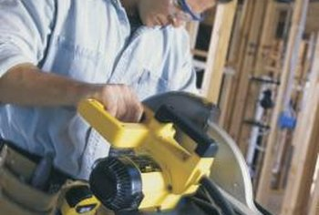 Replacing a Ryobi miter saw blade is similar to the replacement procedure on other saws.