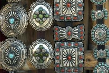 Native American jewelry finds a market on eBay.