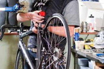 Install a bike saddle in minutes using a single tool.