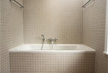 Tub/shower combos can be tiled with a variety of different patterns and styles.