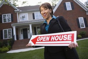 Real estate assistants have business, organizational and problem-solving skills.