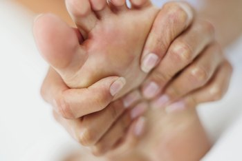 Eliminate foot pain and enjoy the euphoric feelings your workouts elicit.