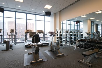 Learn the functions of different types of gym equipment so you can use them properly.