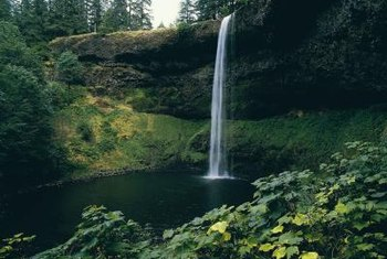 The South Falls at Oregon's Silver Falls State Park is an example of sheer descent.