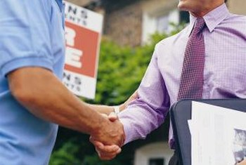 The right CV can help you get a job as a real estate agent.