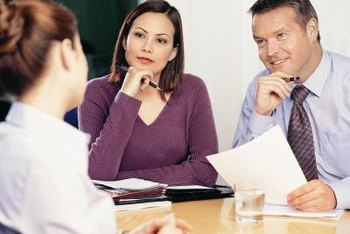 HR supports line managers to conduct structured recruitment interviews.