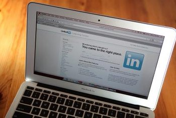 Promote your LinkedIn profile with a hyperlink in Outlook email messages.
