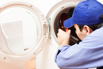 Image of an appliance repairman.
