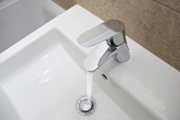 A single-lever bathroom faucet is safe and easy to use.