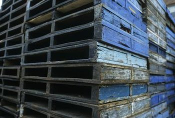 Old shipping pallets offer a wealth of free material for creative pot stands.