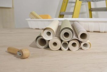 Bubbling, peeling and crooked lines are all common problems when hanging wallpaper.