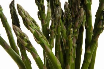Asparagus has a moderate amount of oxalic acid.