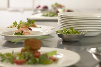 Chip resistant dinner plates for daily use can be made from porcelain, stoneware, tempered glass and melamine.