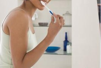 Brushing with baking soda toothpaste safely and effectively reduces bacteria and plaque, according to a 1997 study published in the Compendium of Continuing Education in Dentistry.