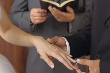 A licensed assistant minister may perform weddings.