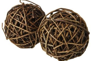 Transform natural grapevine balls into stunning centerpieces and other decorations.