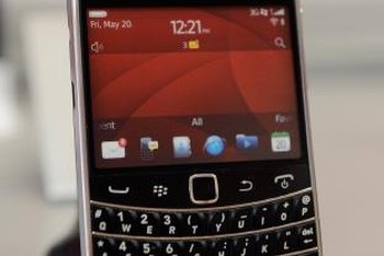 Never miss a message with BlackBerry Bold voice mail.