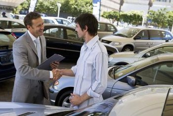 Timing and confidence are keys to getting the best car price.
