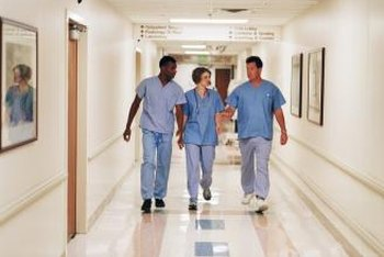 Both GNs and RNs can work in a clinical setting, such as a hospital.