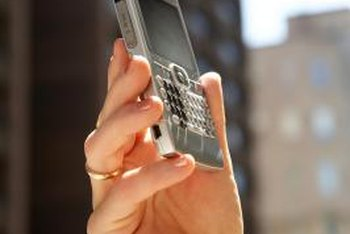 The BlackBerry and smart phones from other manufacturers can share the same server with BlackBerry Connect.
