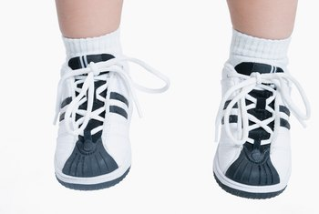 Most cotton shoelaces are easy to clean.