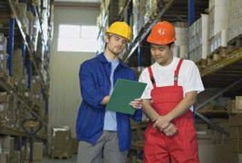 Warehouse shift leaders earn more in West and East Coast states.