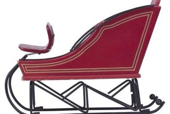 Choose a sleigh that goes with your other Christmas decorations.