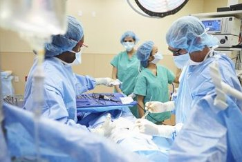 As of 2013, surgical technologists made an average of $44,420 per year.