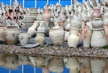 Planting urns are available in many different shapes and sizes.