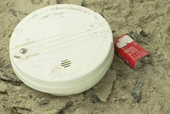Smoke detectors with dead batteries don't work.